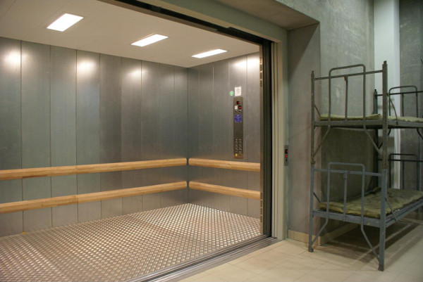 Goods-Passenger Lift GPL